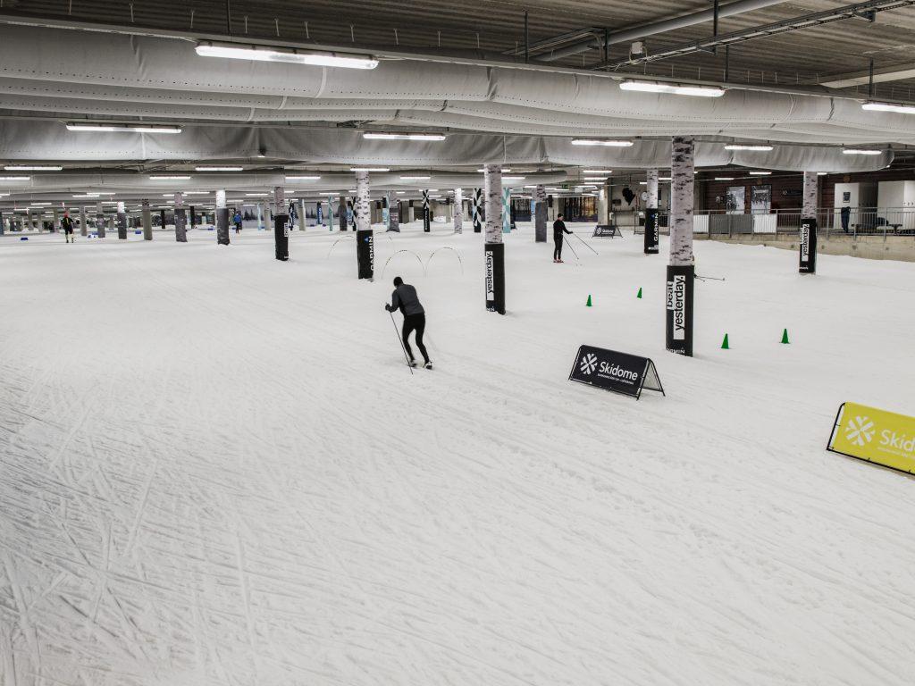 Skonsam träning i Skidome - Skidhall för längdskidåkning i Göteborg.