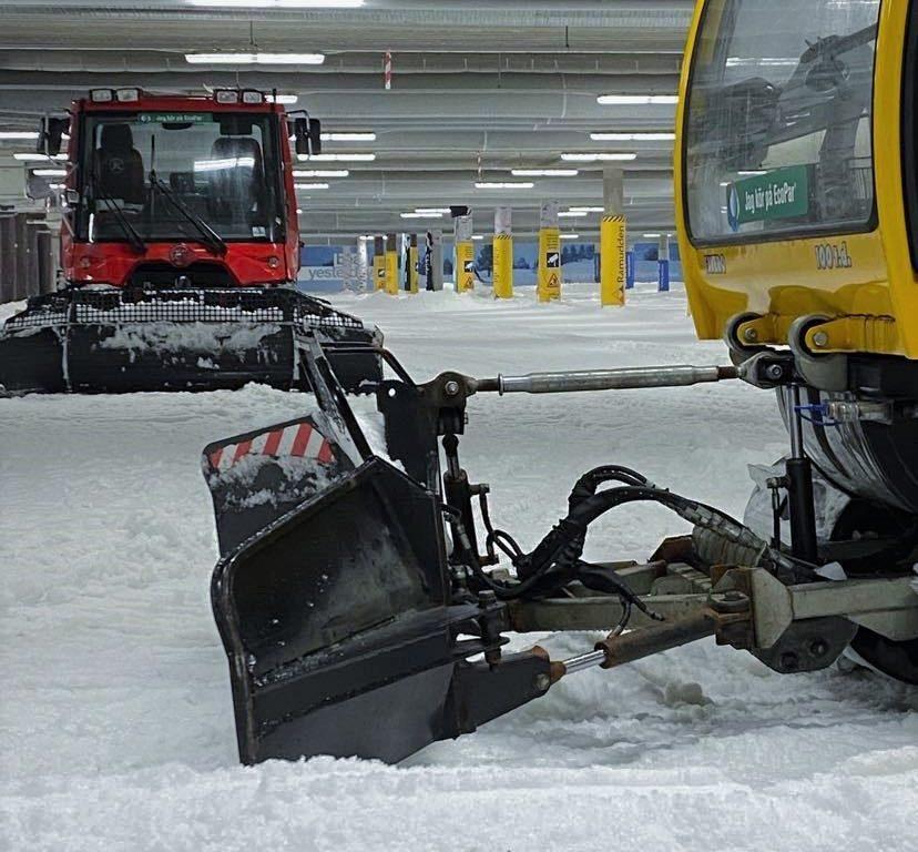 Snöbytet i full gång - Skidhall för längdskidåkning i Göteborg.